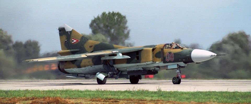 MIG-23_FRONT