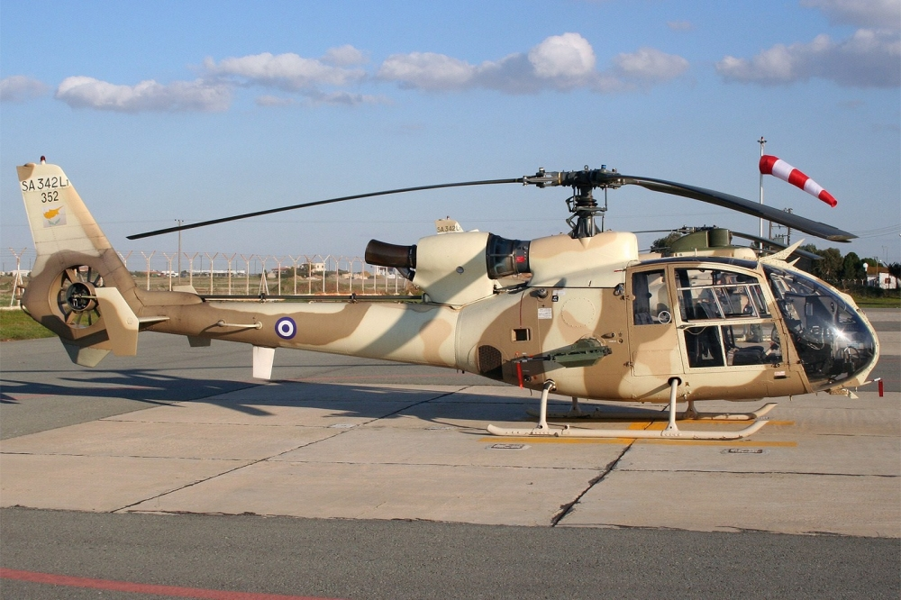 gazelle helicopters with Sa 342 Gazelle on File Lynxnavy further Xrs 43 By Hunton Powerboats furthermore Russia Improving Its Mi 28 Attack Helicopter Fleet 016257 together with 8917L moreover Airbus Helicopters L Armee Francaise Va  mander 160 A 190 Appareils 3245847 6148.