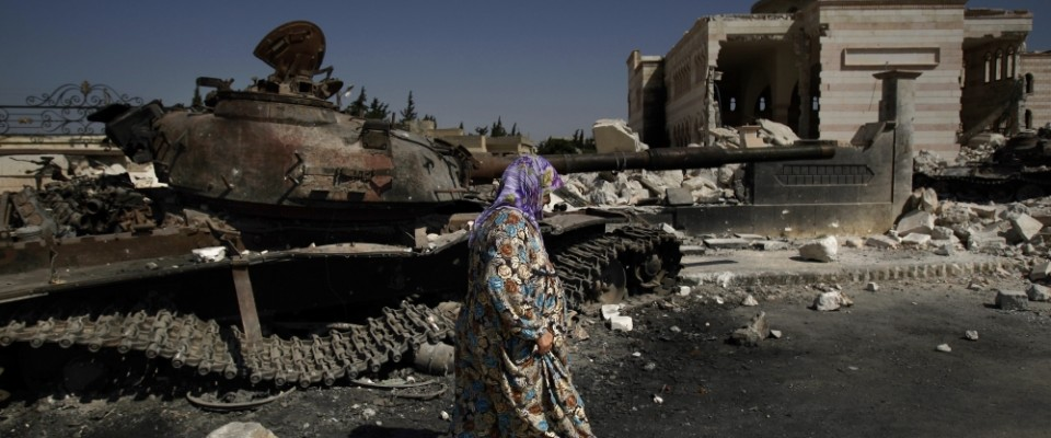 Syria_rubble_AP_9_4_2012_edit_qme