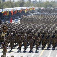Iran_parade_troops