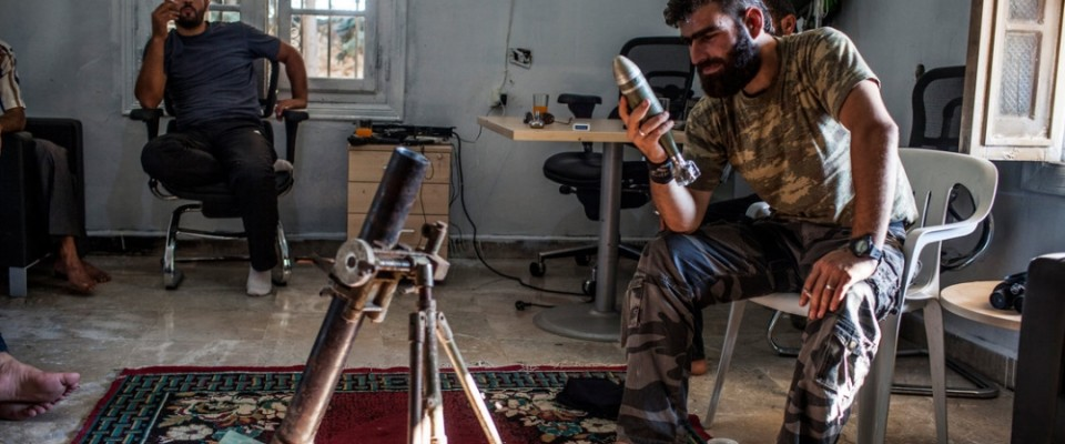 Syrian_rebel_mortar