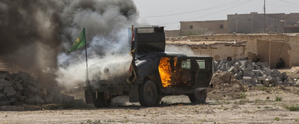 HMMWV_burning
