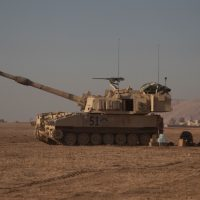 m109a6_usa_1st_armored